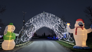 Lake Metroparks Farmpark Country Lights Drive-thru