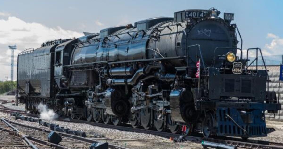 Union Pacific Big Boy No. 4014 rolling through Central Texas