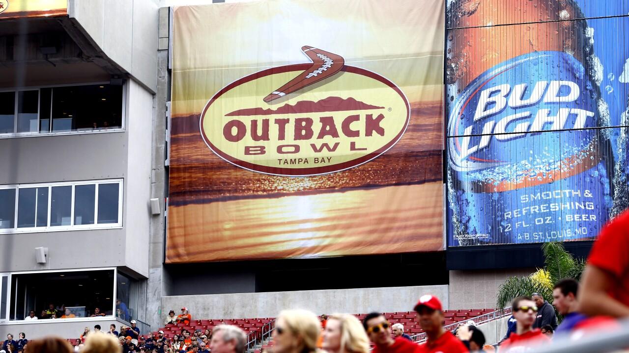 Outback Bowl Wisconsin v Auburn