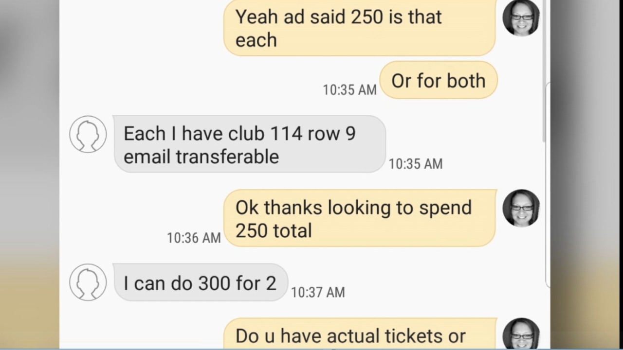 Messages between scammer and scammed