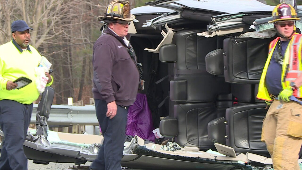 2 extricated after minivan overturns in Henrico crash