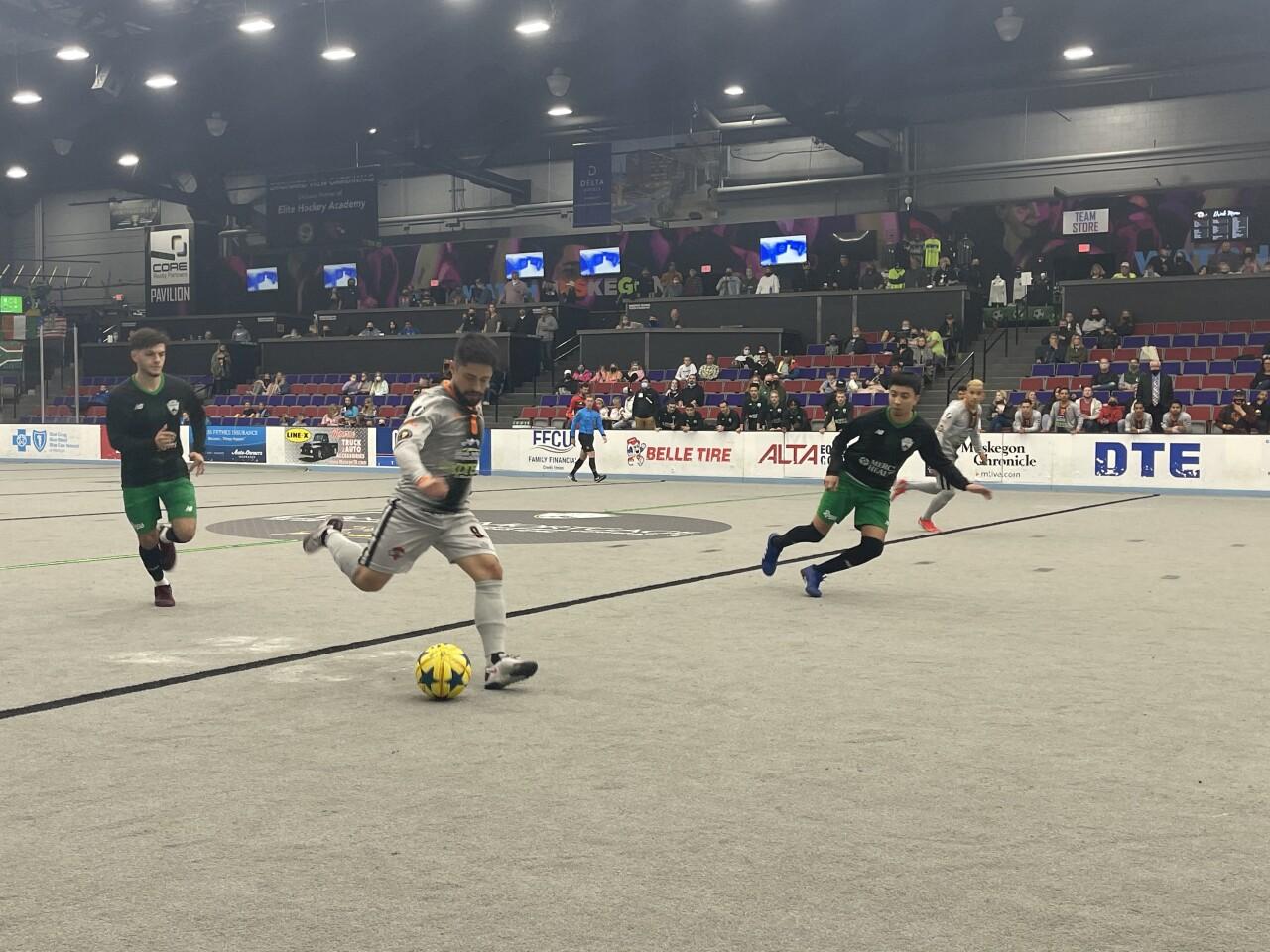 Great Lakes Invitational gets underway in Muskegon