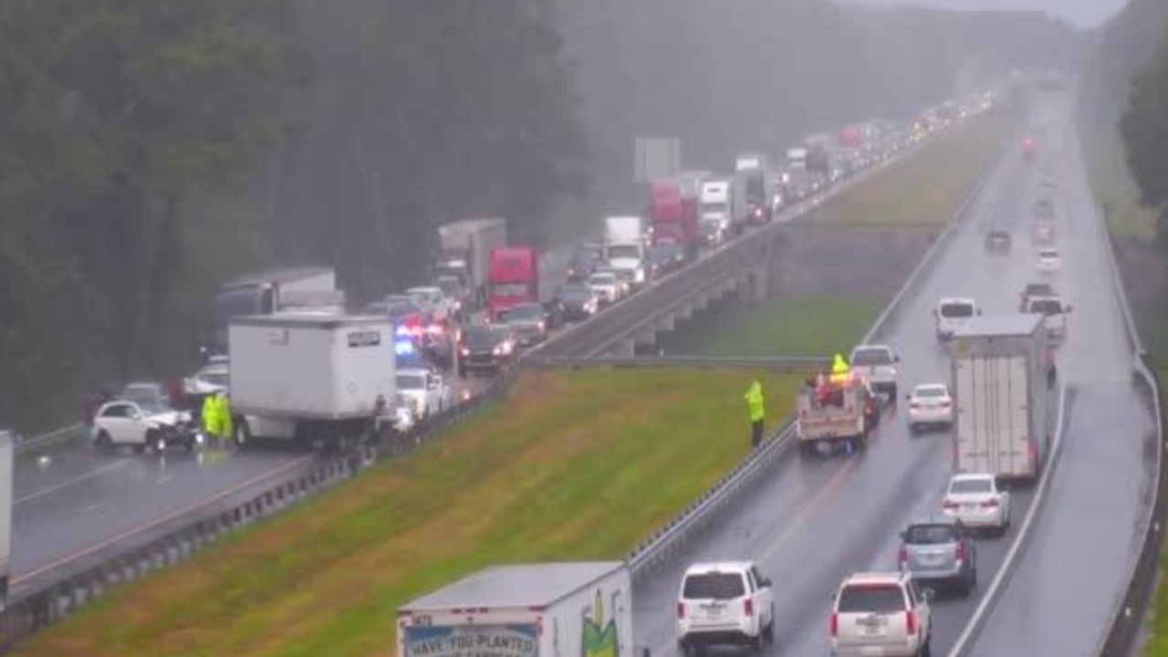 I-10 westbound completely blocked due to crash with injuries