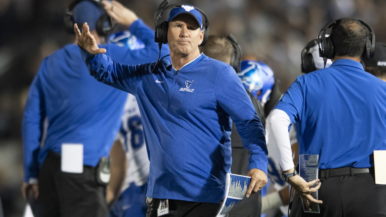 Lance Leipold UB football