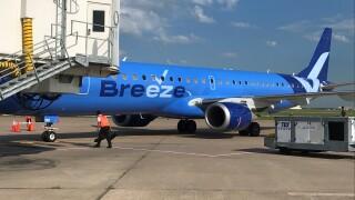 Breeze Airways airplane