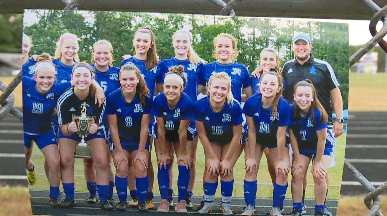 James River High School girls soccer 05.png