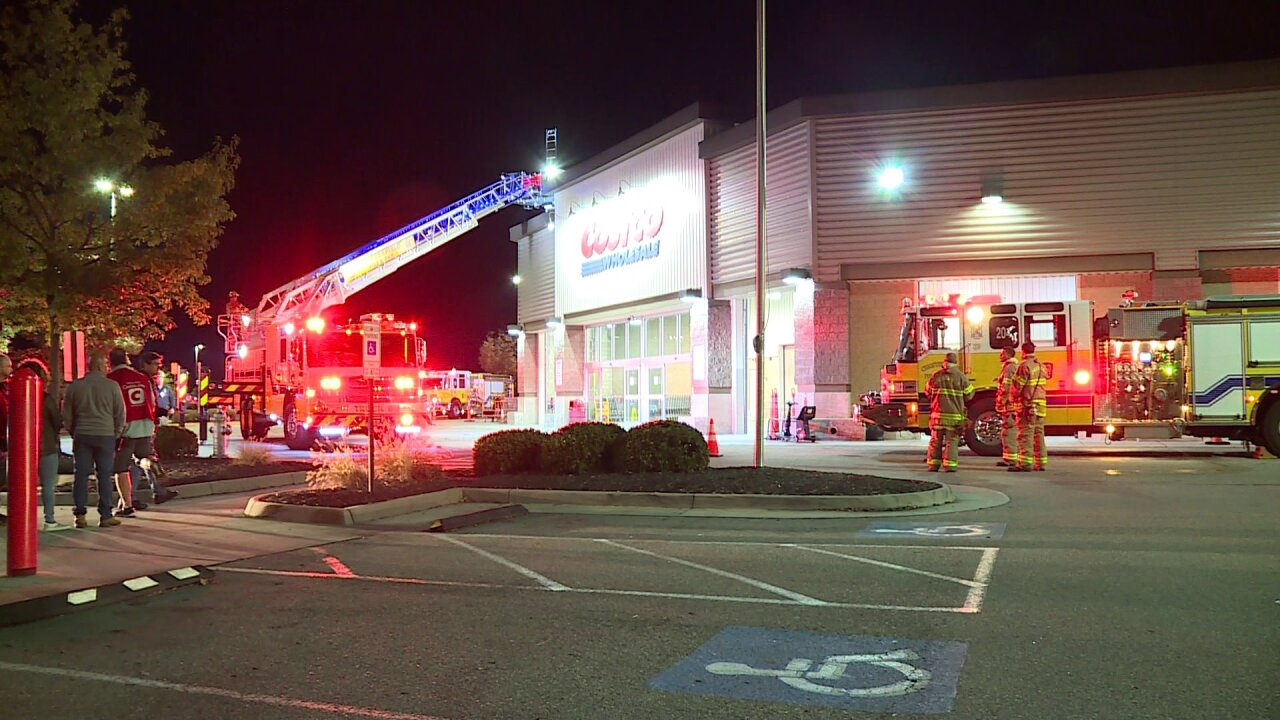 Workers douse fire at ChesterfieldCostco