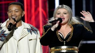 Kelly Clarkson And John Legend Are Releasing A New, Modern Version Of 'Baby, It's Cold Outside'