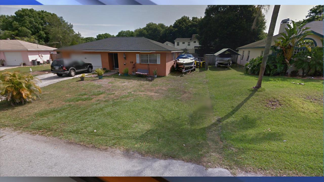Florida sinkhole swallows 2 homes, keeps growing
