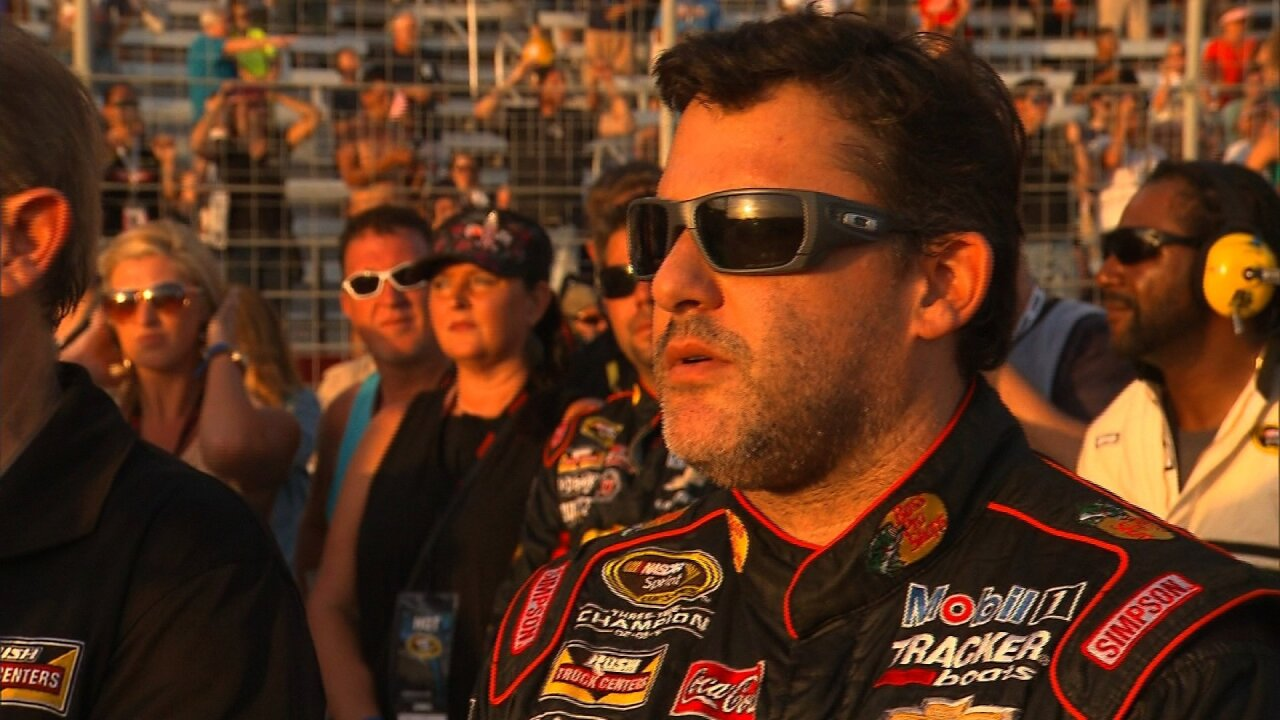 Tony Stewart plans to drive last Sprint Cup race in 2016