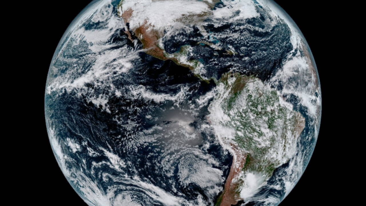 GOES-16, new satellite views Earth for first time