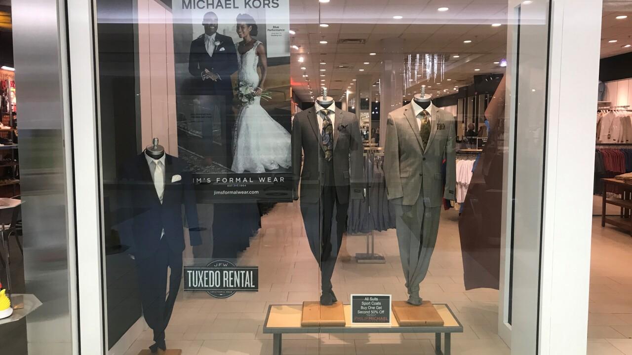 Philip Michael Lynnhaven Mall soft opening 3.jpg