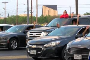 Solid Rock Church holds Drive-In service for churchgoers