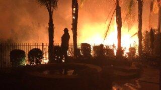 Woolsey Fire jumps 101, Malibu Lake residents urged to evacuate