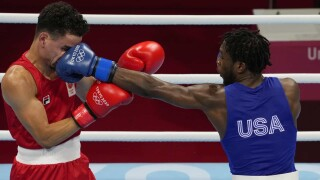 Keyshawn Davis opens with dominant decision win