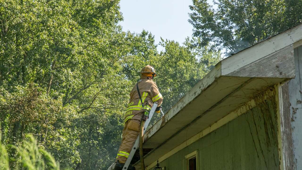 VB 1500 Back Bay Landing Road abandoned house fire (August 25) 2.jpg