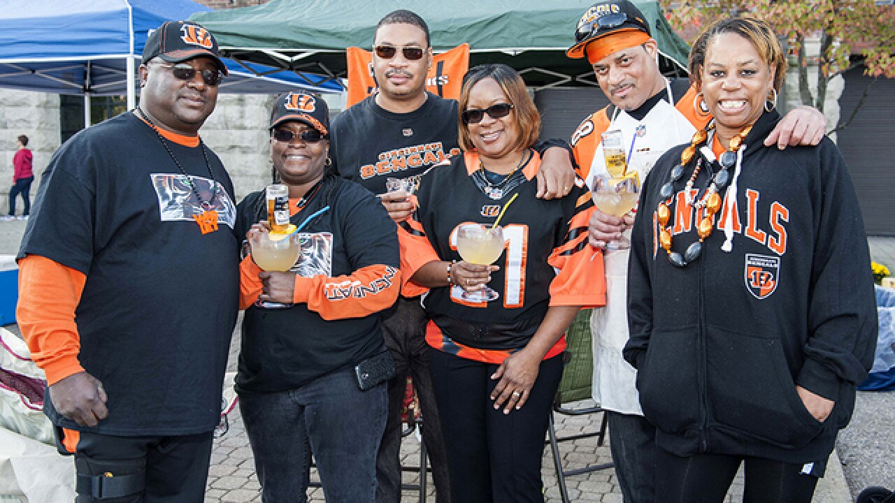 PHOTOS: Fans tailgating 5-0 or first loss