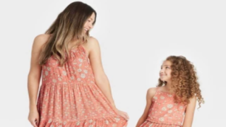 You Can Buy Mother-daughter Matching Outfits At Target
