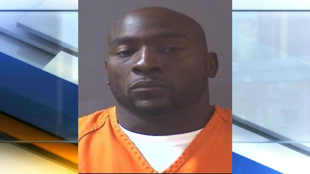 Former Indianapolis Colt Robert Mathis arrested on drunken driving charges