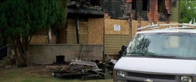 Woman sets fire to home on Milwaukee's north side