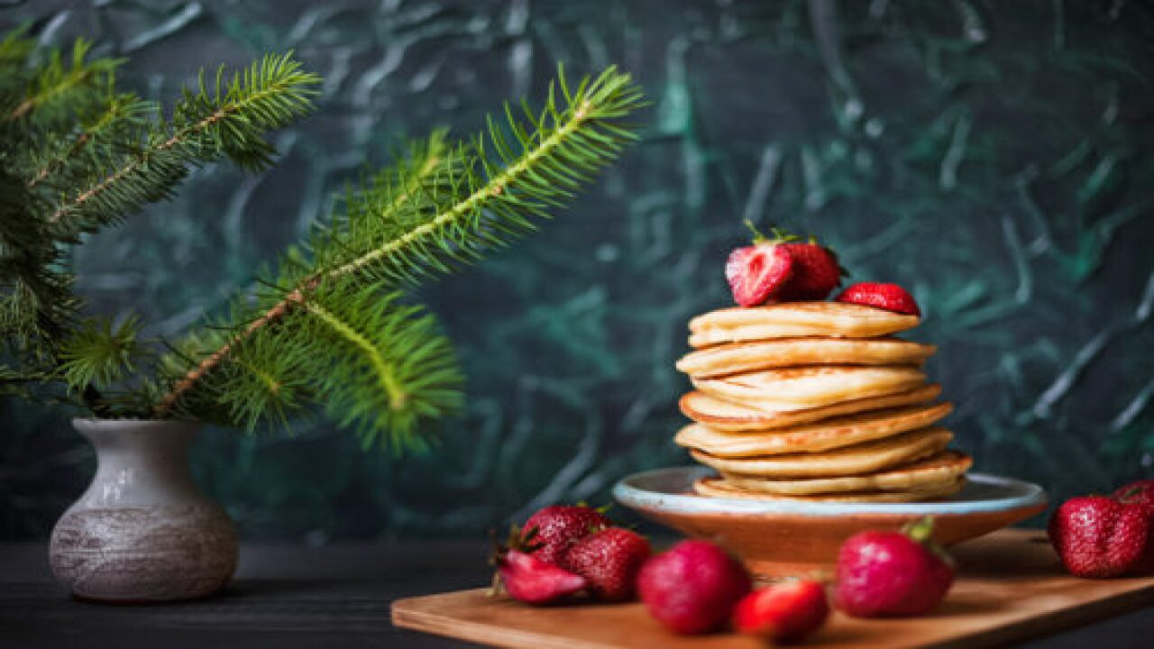 These Champagne Pancakes Are Perfect For Christmas Morning Breakfast