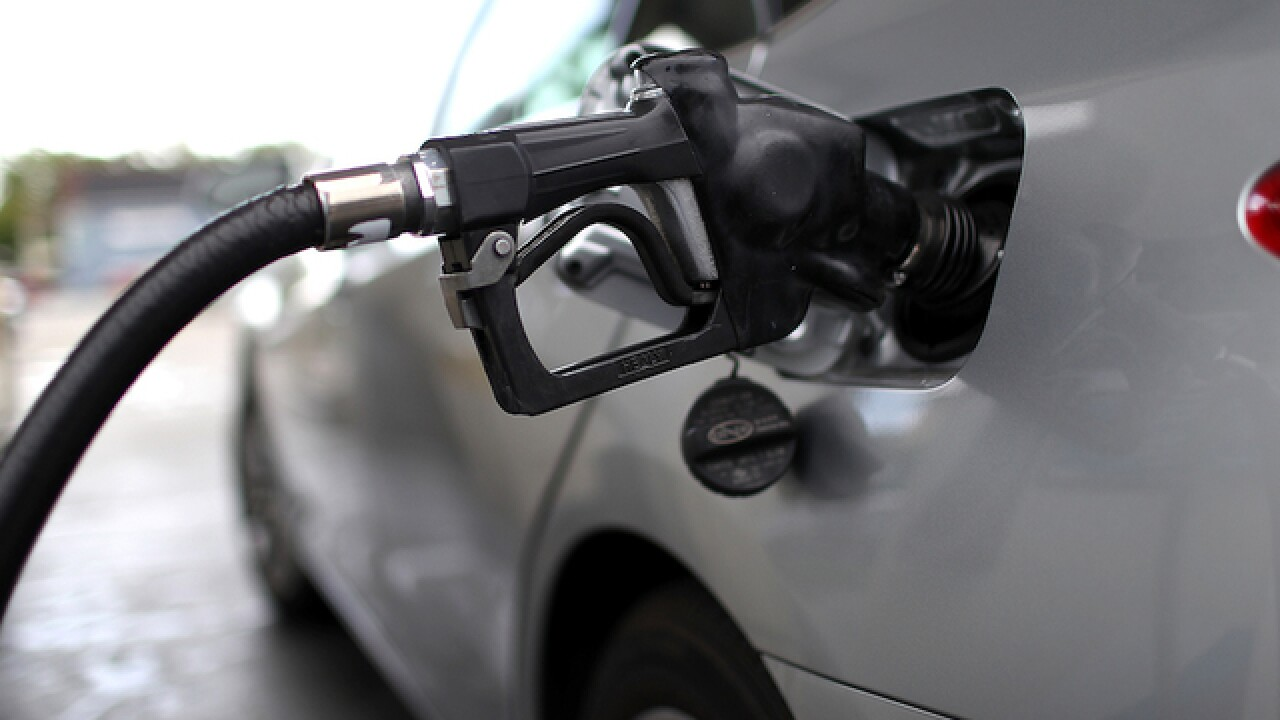 Gas prices are falling throughout the nation