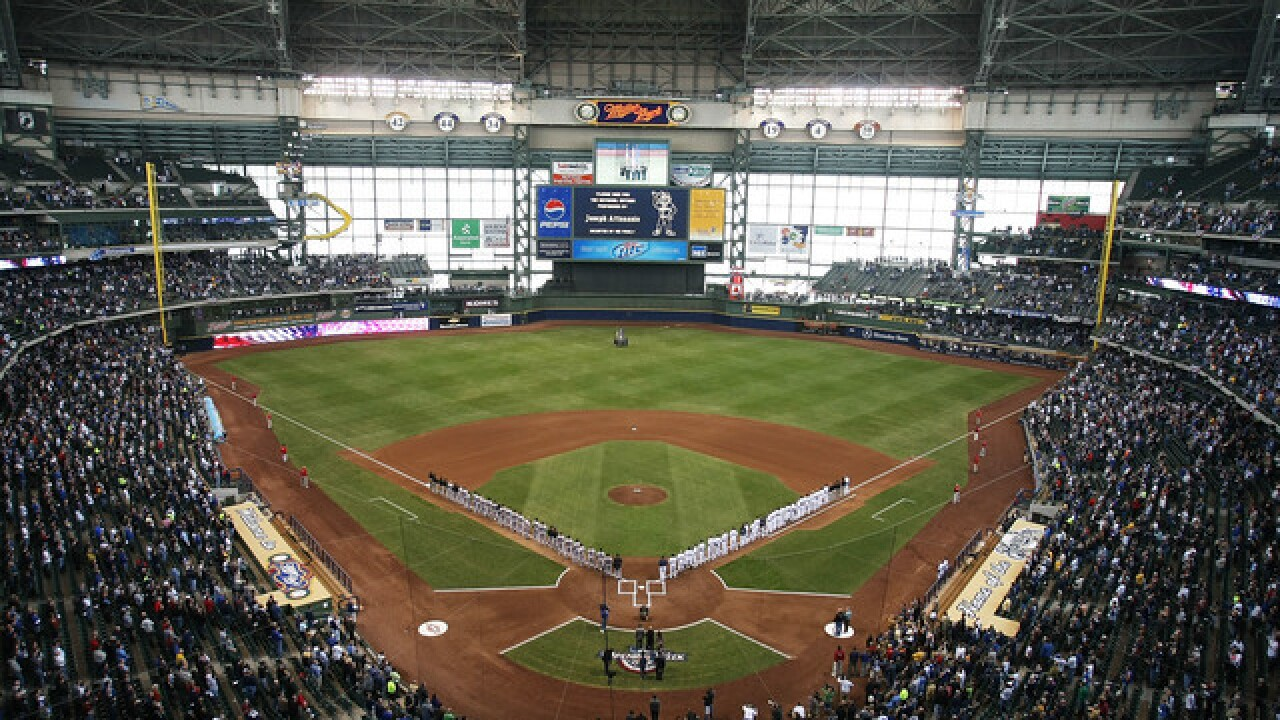 Milwaukee Brewers fans fly massive 'L' flag in Miller Park after beating Chicago Cubs
