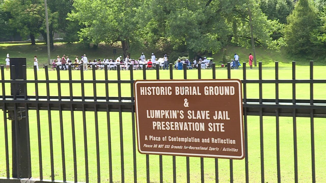 Juneteenth remembrance honors slaves at Richmond burial site: 'There are no markers'