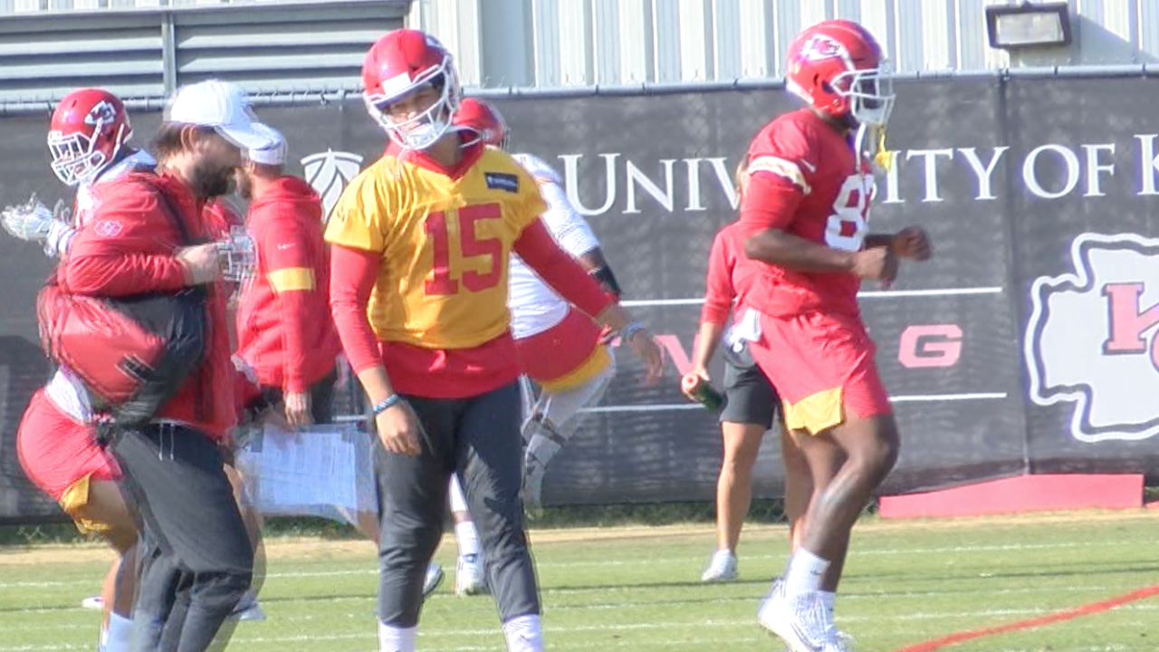 Mahomes Participates Fully At Chiefs Practice For First Time