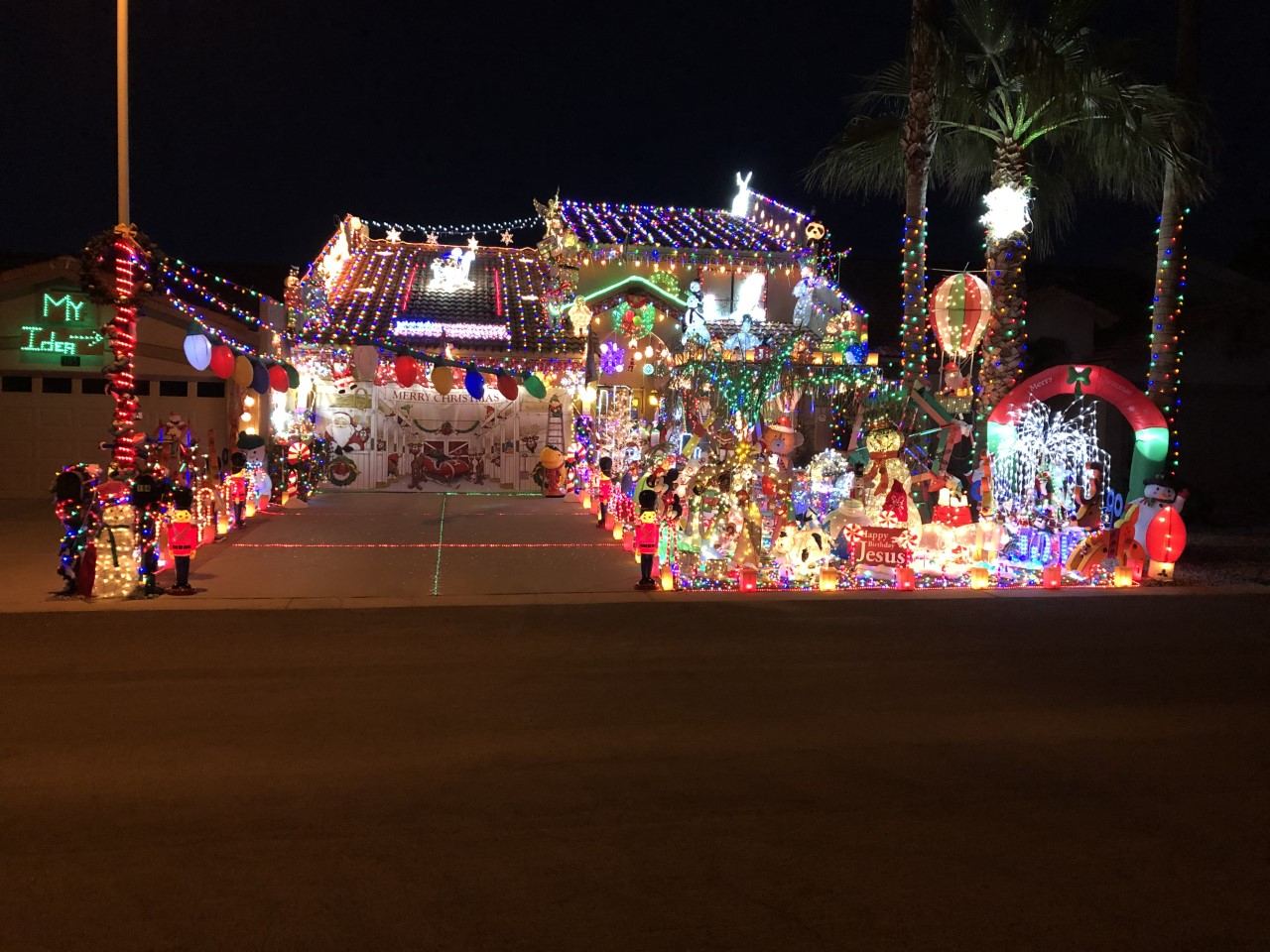 Danny Dingman Christmas house