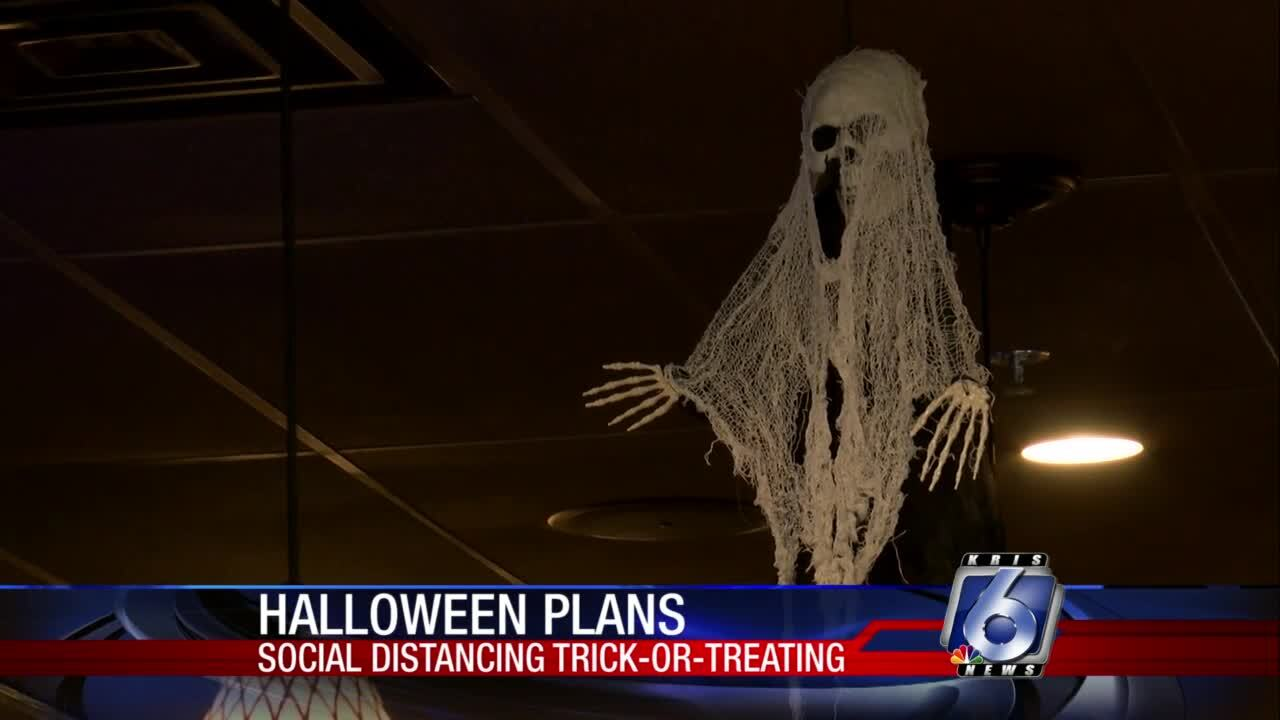 Ara's Seafood and Steaks will provide a special social distancing trick or treat event for those with special needs
