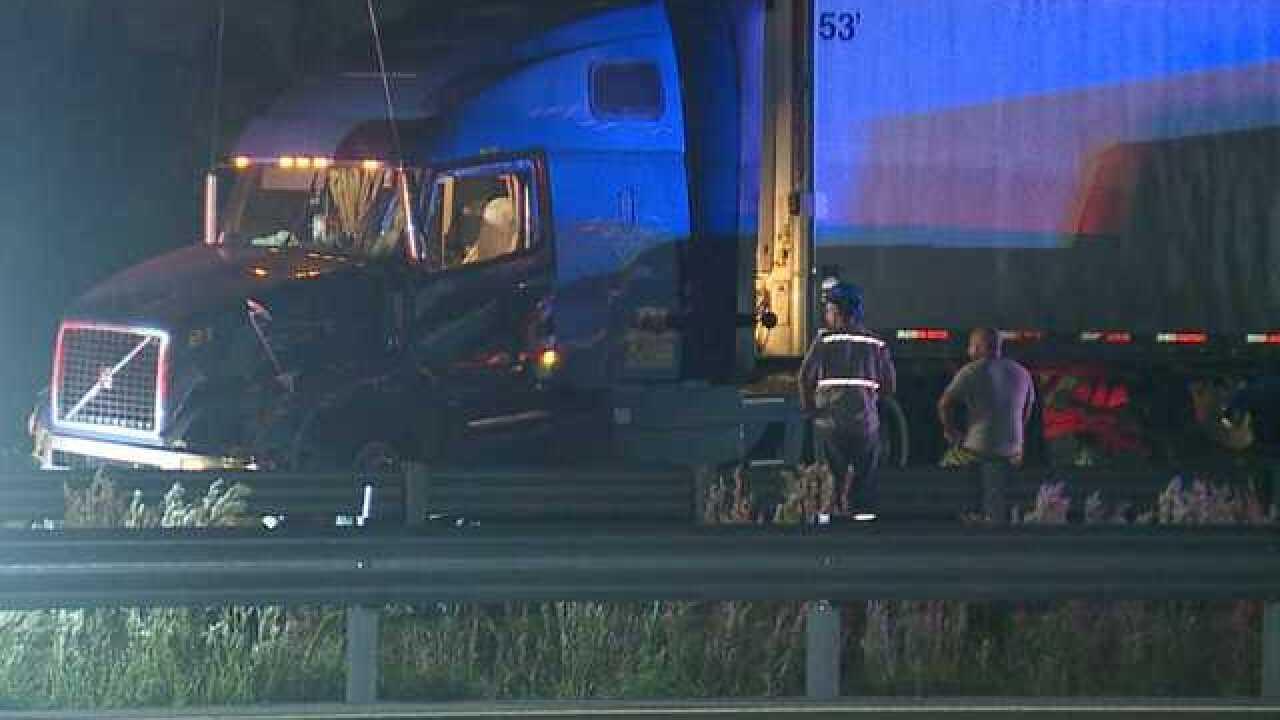 SB I-75 lanes shut down due to car crash