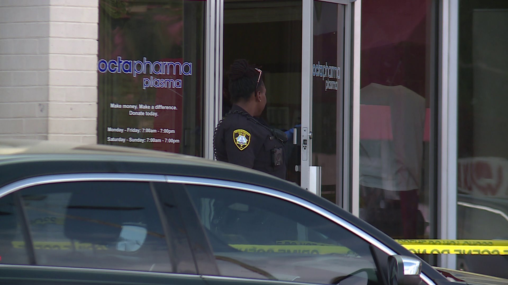 Photos: 3 stabbed at Petersburg plasma center; police search suspect'shome