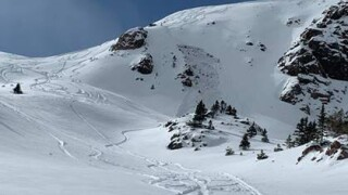Small avalanche at Vail Pass