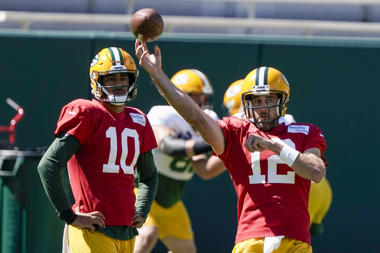 Jordan Love watches Aaron Rodgers throw in training camp, September 2020