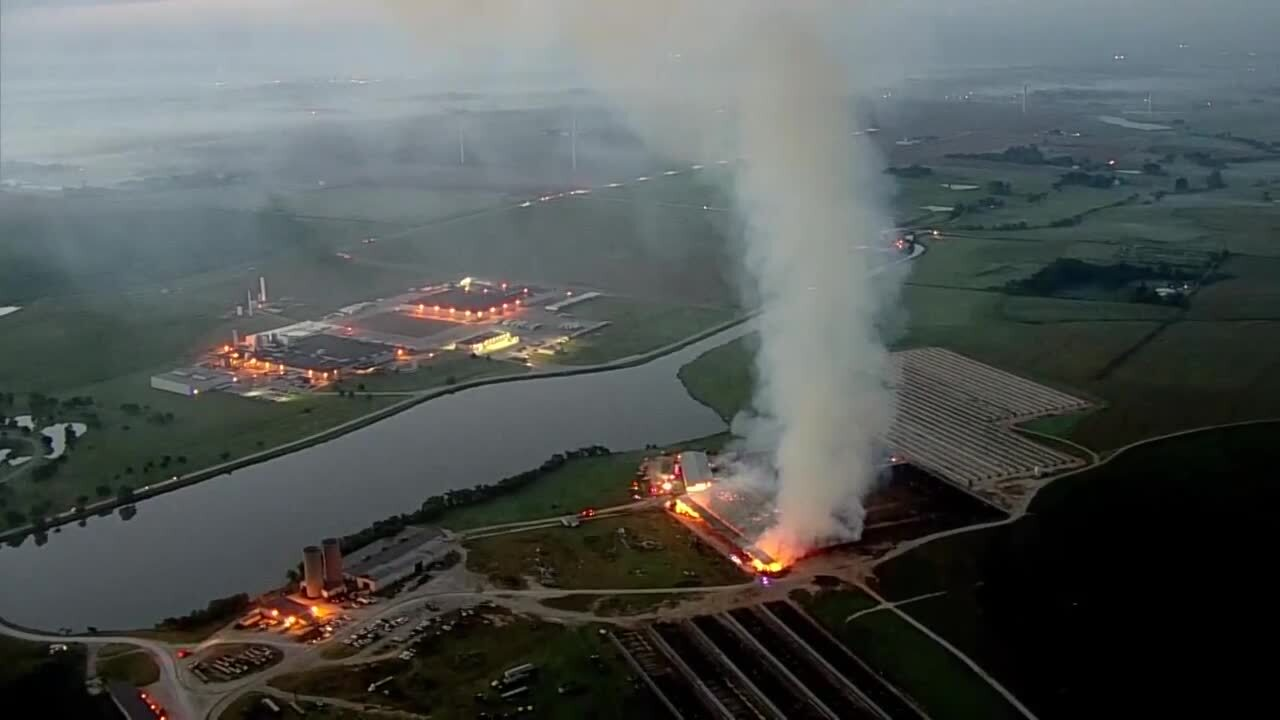 Crews battle large fire at Braum's facility in Tuttle