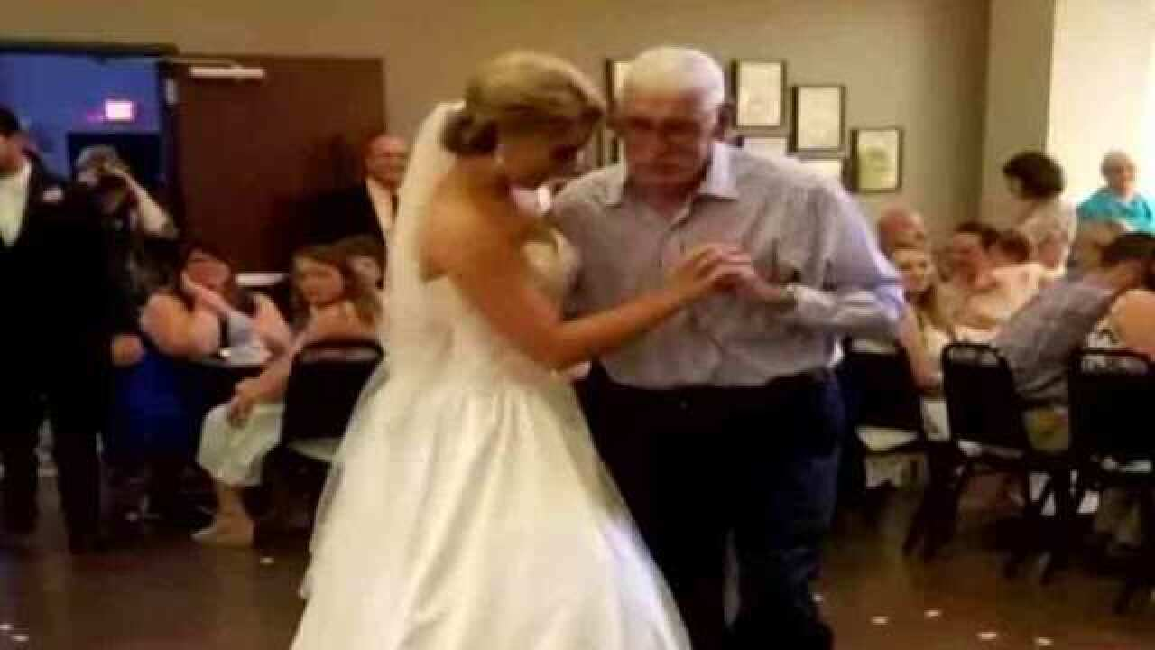 Family Warns Of Wedding Photographer Who Failed To Deliver Photos From Ceremony