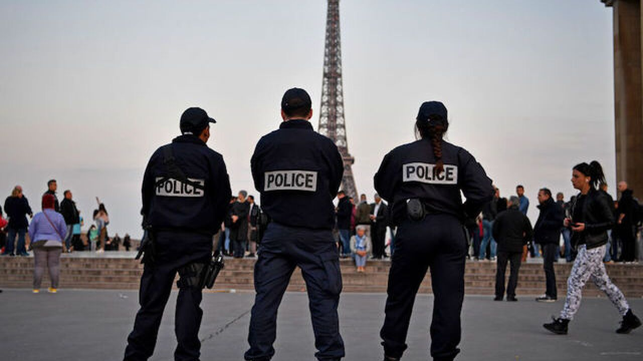 Paris knife attack: 7 injured, including 2 British tourists