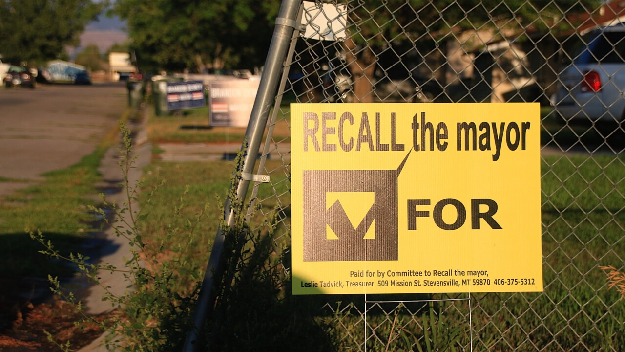 Stevi Mayor Recall Sign