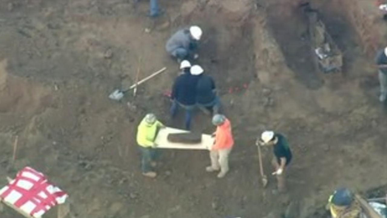 Philly construction crew finds coffins from colonial times