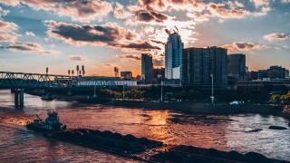 Liquid fertilizer spills into Ohio River, Coast Guard investigates