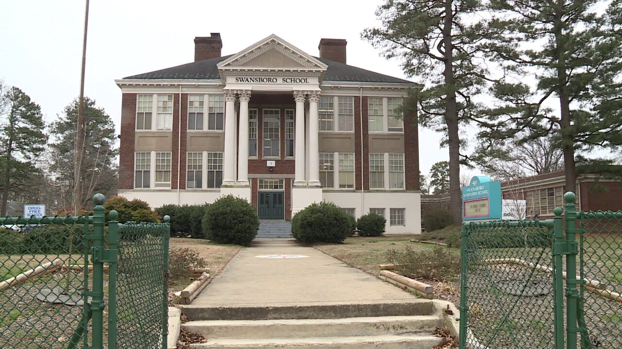 Teacher says temps dropped below 60 in Richmondclassroom