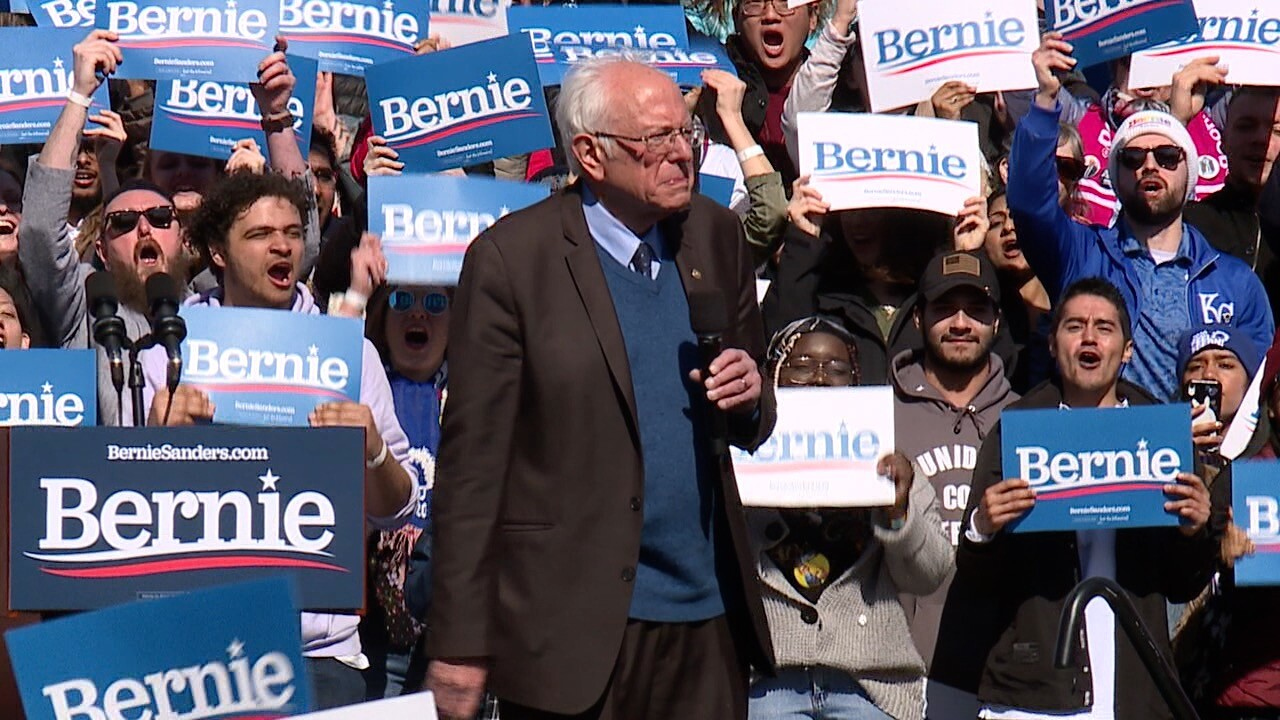 Bernie Sanders rallies with thousands of supporters in Grand Rapids