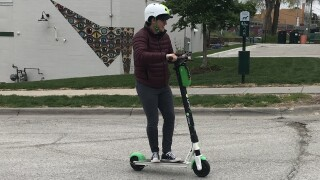 electric scooter lime e-scooter dockless
