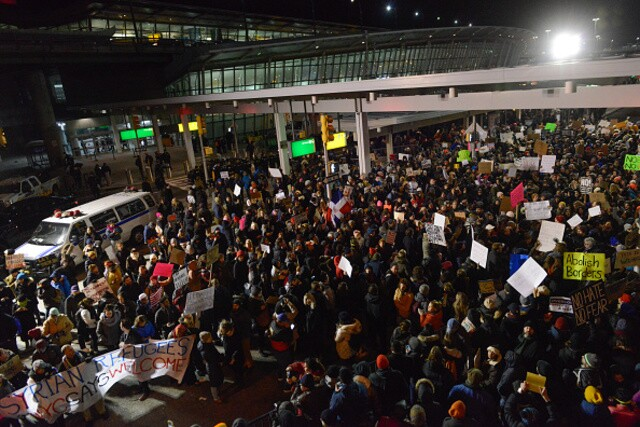 Protests gather around the country to demonstrate against Trump's immigration ban