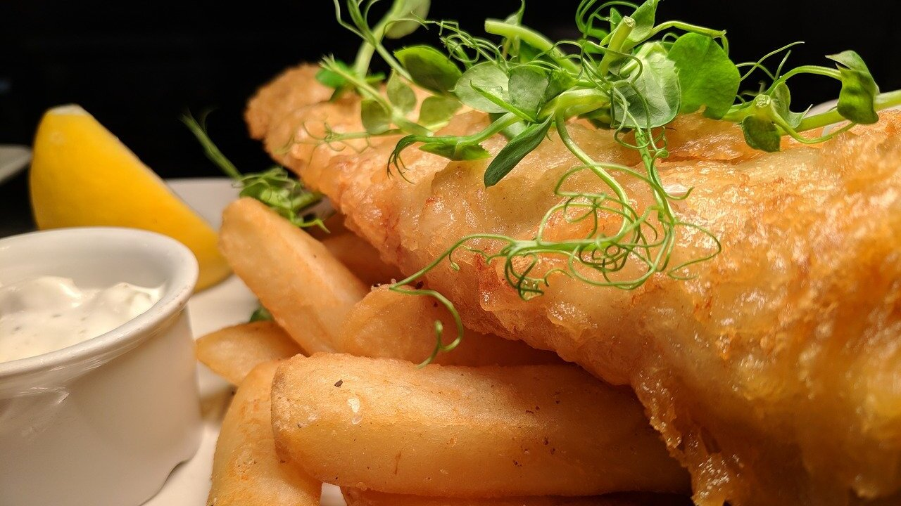 fish-and-chips-3591073_1280.jpg
