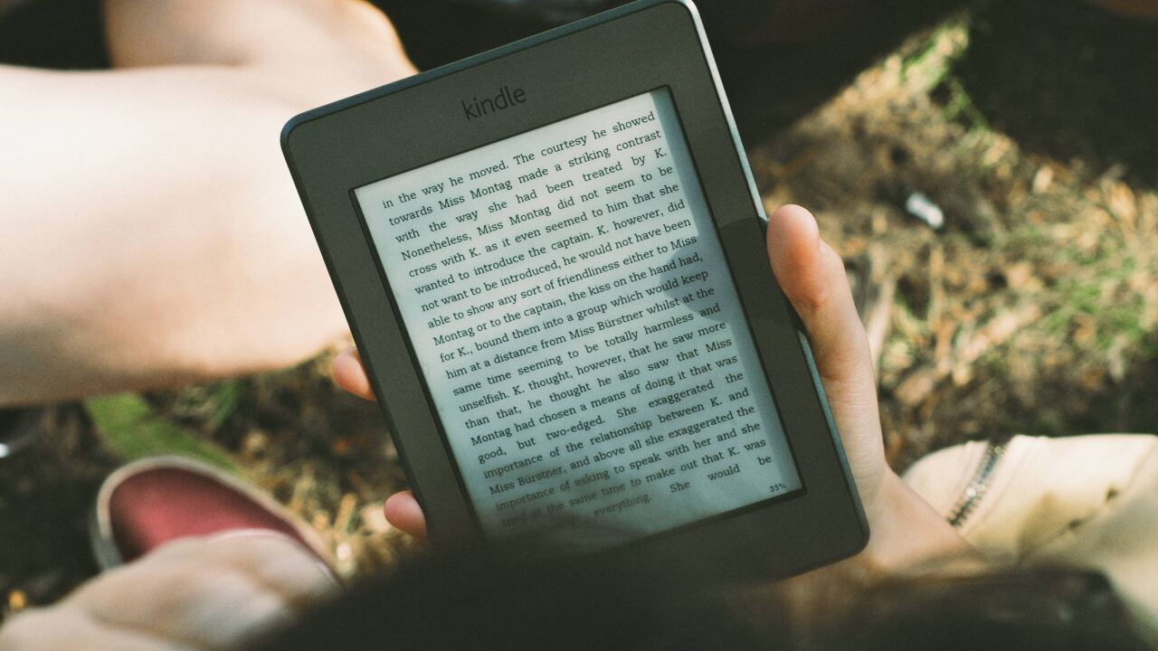 Libraries across US protesting publishing house's changes limiting e-book sales
