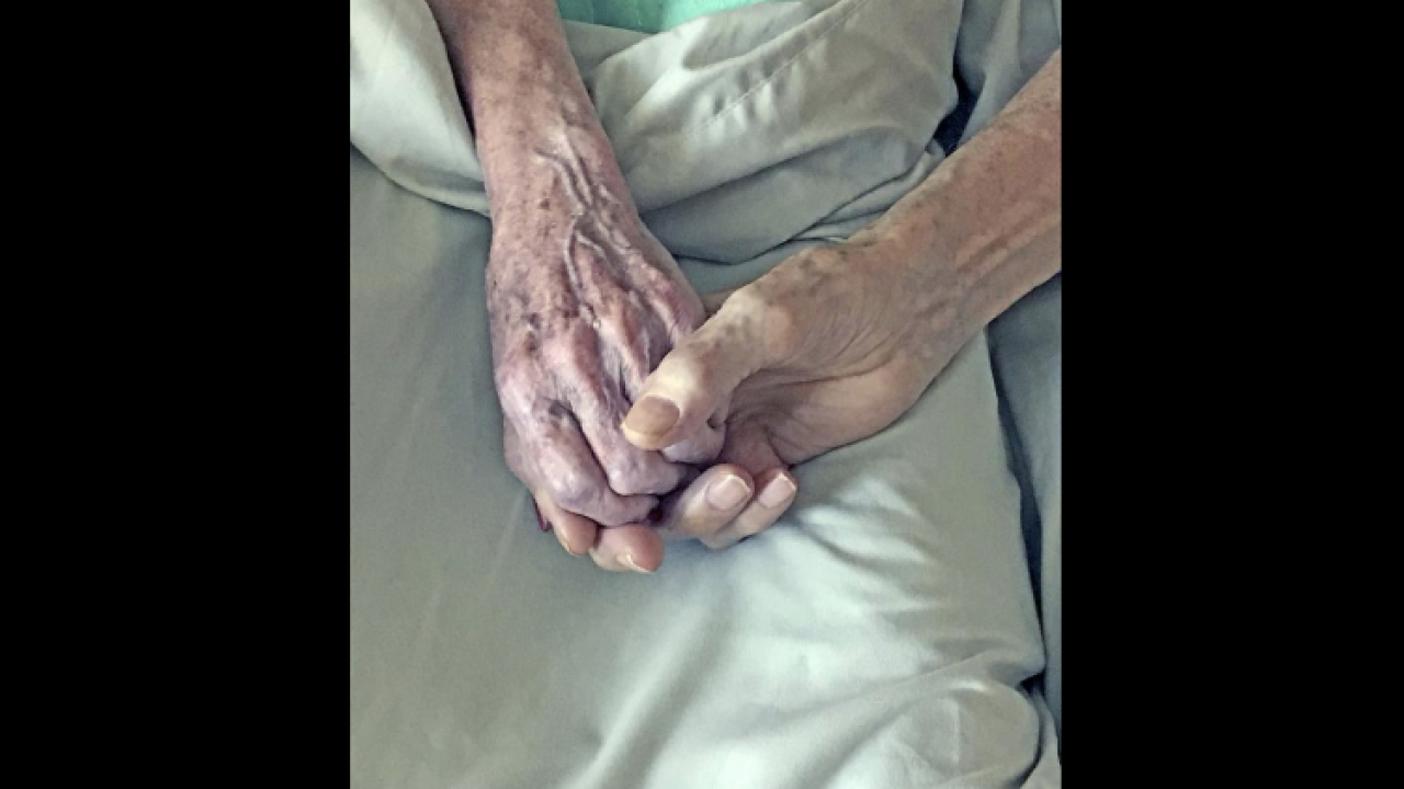 Ohio couple married for 64 years dies holding hands within hours of each other on Christmas eve
