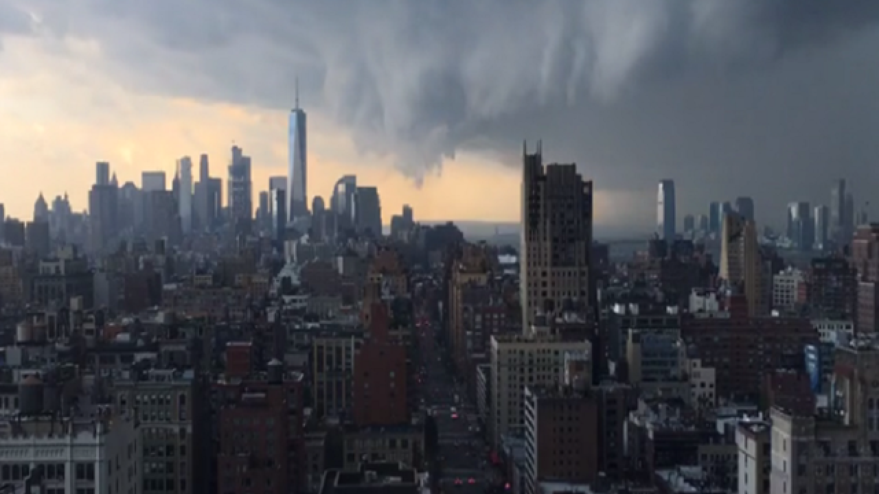 Timelapse: Massive thunderstorm rolls through New York City