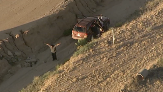 Man in custody after leading DPS troopers on E. Valley pursuit 10-3-19
